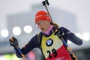 Slovenská biatlonistka Anastasia Kuzminová pred štartom šprintu žien na 7,5 km počas finálového 9. kola SP v Ťumene.