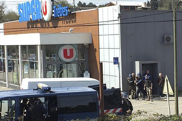 Džihádista útočil v supermarkete v meste Trebes.