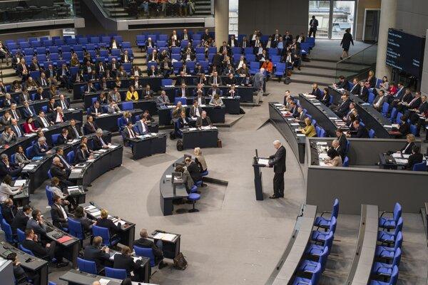 Nemecký minister vnútra Horst Seehofer vystúpil na pôde Spolkového snemu.