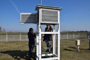 Meteorologická búdka v Milhostove.