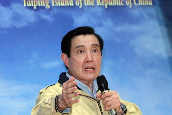 Dosluhujúci taiwanský prezident Ma Jing-ťiou.