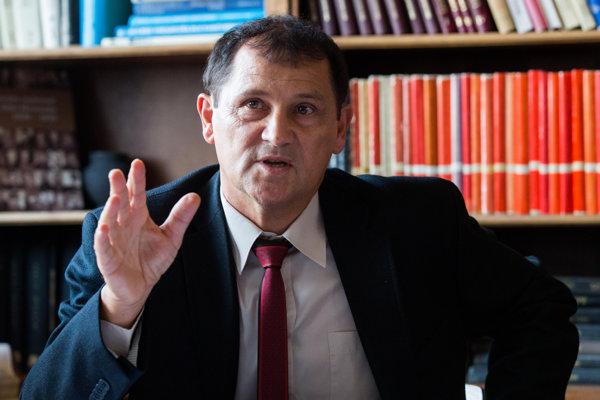 Rektor Vysokej školy Danubius Miroslav Daniš plánuje žiadať o ďalší grant.