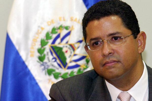 Na fotografii z roku 2005 exprezident Salvádoru Francisco Flores.