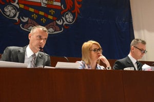 Exprimátor a nový vicepremiér Raši už za predsedníckym stolom na radnici po voľbách sedieť nebude, ale Lenártová a Petruško ešte majú šancu.