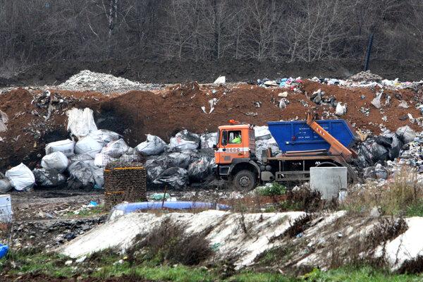 Zmluva týkajúca sa nakladania s komunálnym odpadomv Žiari nad Hronom vyvolala kritiku. Mesto ju zverejniť nehodlá.