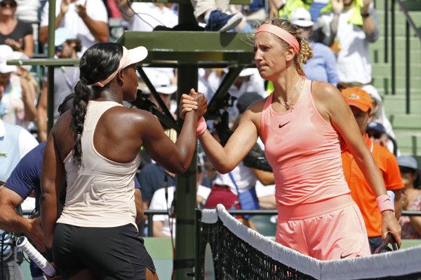 Sloane Stephensová (vľavo) porazila Victoriu Azarenkovú v súboji o finále.