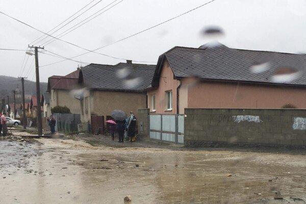 Takto to v nedeľu popoludní vyzeralo v Družstevnej pri Hornáde, okres Košice okolie.