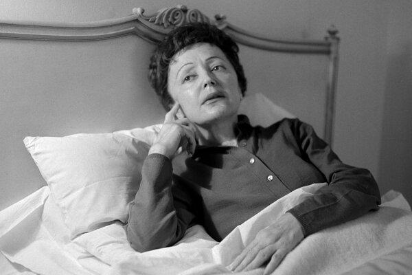 Jedna z najvýraznejších predstaviteliek francúzskeho šansónu Edith Piaf.