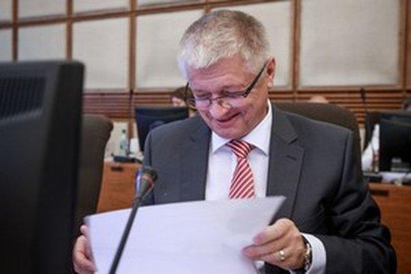 Minister Pavlis.