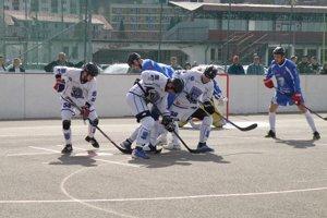 Pov. Bystrica (v bielom) sa nepresadila cez pozornú obranu Martina.
