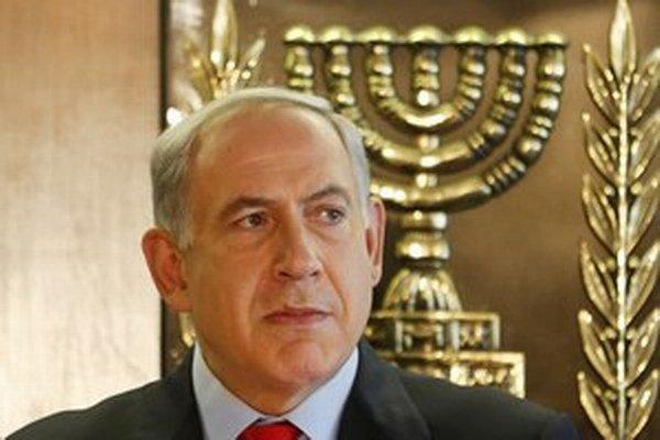 Benjamin Netanyahu tvrdí, že prepustením väzňov testuje Palestínčanov.