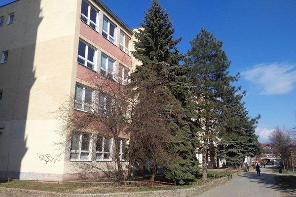 Škola na Hrnčiarskej.