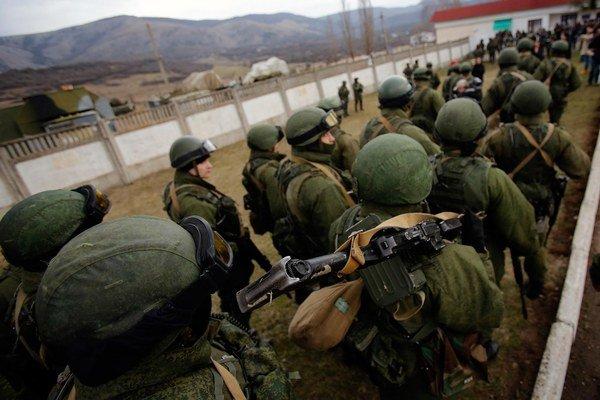 Ruskí vojaci na Kryme.