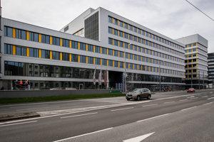 Jednou z dvoch nových možných adries ministerstva spravodlivsoti je bratislavská Patrónka. Spoločnosť J&T ponúka celú budovu Westend Court vo Westend business zóne.