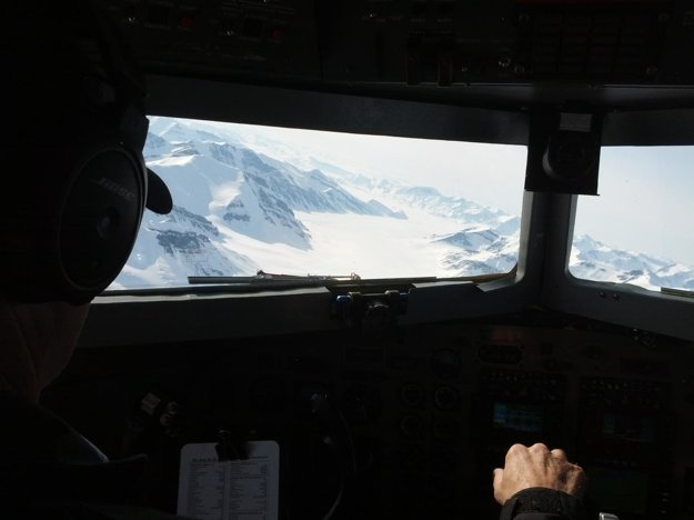 Devonská ľadová čapica z pohľadu výskumného lietadla.