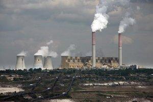 Poľská elektráreň Belchatow produkuje 15-krát viac emisií ako Nováky.