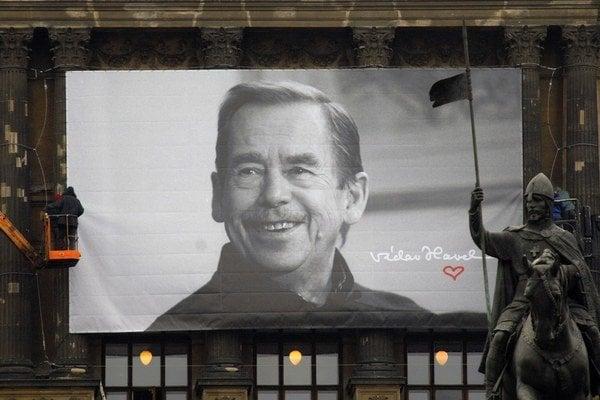 Plagát s portrétom Václava Havla.