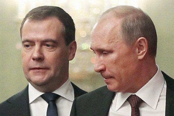 Výrazné zníženie hlavnej úrokovej sadzby ruskej centrálnej banky nepomohlo zmierniť tlak na ruskú menu.