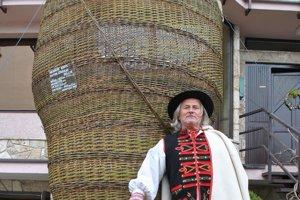 Keďže neobjavili žiadne záznamy o maxikošíku v Guinnessovej ani v slovenskej knihe rekordov, tak asi je najväčší práve tento z východu Slovenska.