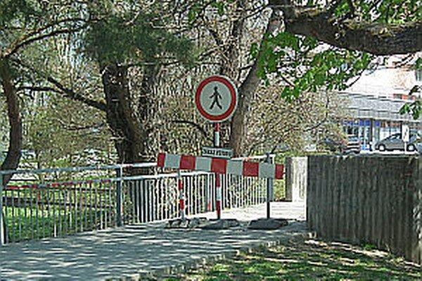 Ľudí zaujímalo aj počas ekojarmoku, prečo je most uzatvorený. Mysleli si, že je to pre túto akciu.