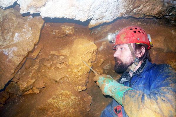Výskum Dúpnej jaskyne.