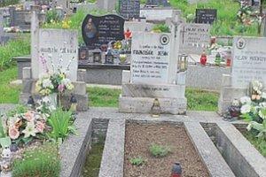 Hroby detí, ktoré zabila bomba.
