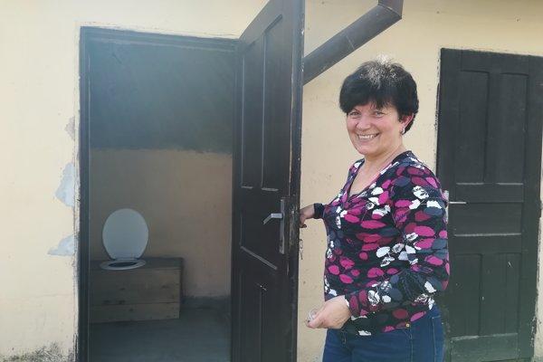 Starostka obce Zádor Ildikó Kovács si na sparťanské podmienky zvykla.