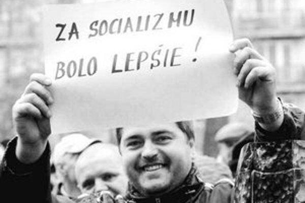 Medzi kritikov dôchodkovej reformy nepatrí len premiér. Snímka je z protestu v roku 2004.