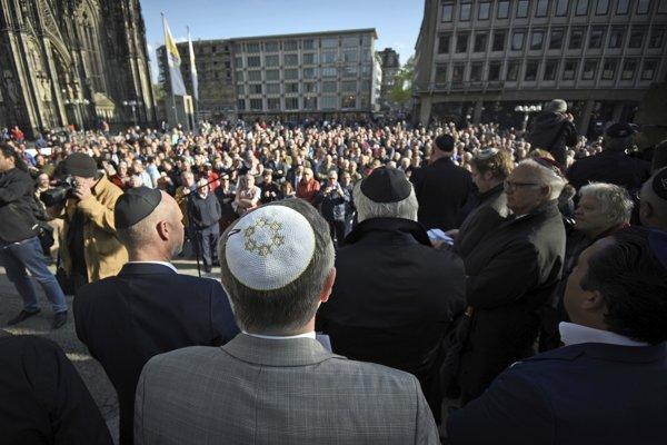 Demonštrácia proti prejavom antisemitizmu.