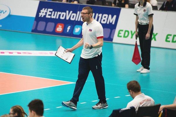 Reprezentačný tréner kadetov Slovenska vo volejbale Erik Gábor.