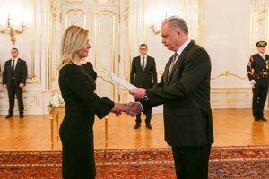 Kiska vymenoval Sakovú za ministerku vnútra.