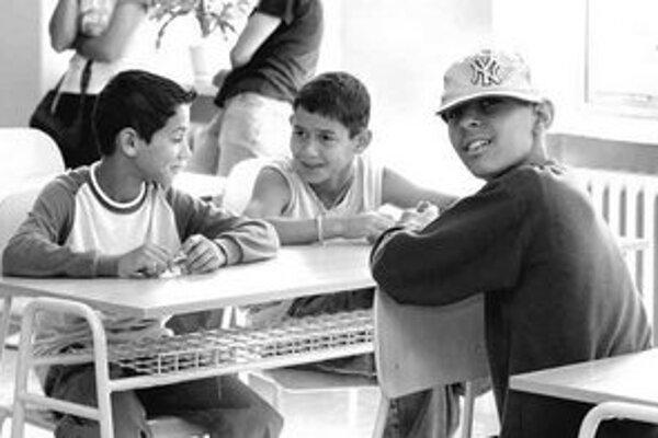 Títo chlapci mali šťastie, študujú na gymnáziu pre talentované rómske deti.