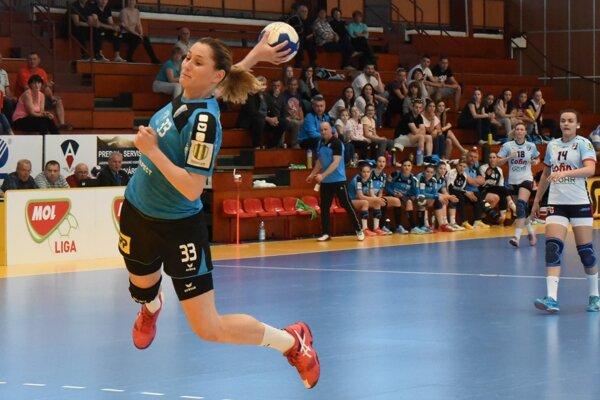 Lívia Klučková prispela 6 gólmi. Celkovo až desať hráčok Dusla rozvlnilo prešovskú sieť.