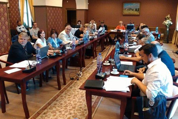 Zasadnutie poslancov MsZ v Lučenci