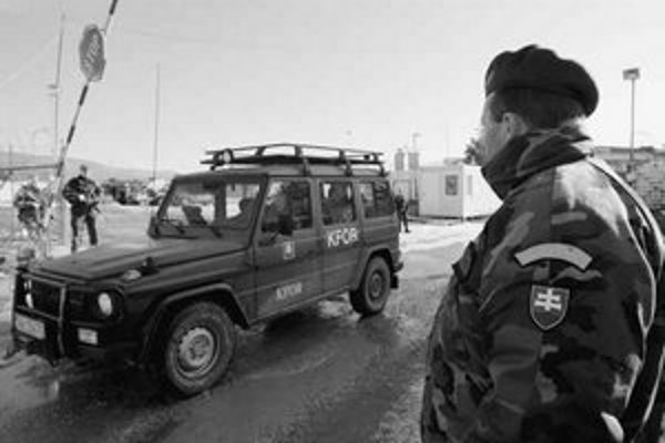 Slovenskí vojaci v Kosove.
