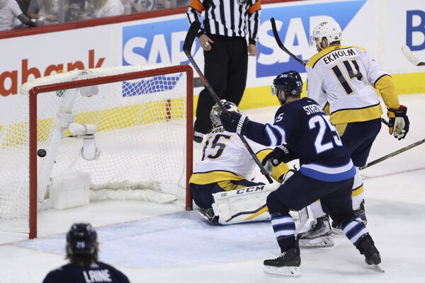 Hokejisti Winnipegu triumfovali nad Nashvillom.