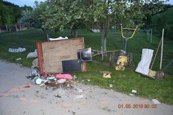 Kultivátor po dopravnej nehode v Myjave, časti Turá - Lúka.