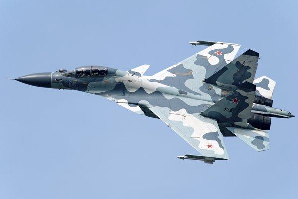 Stíhačka Su-30.