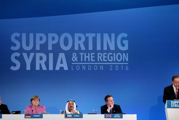 Generálny tajomník OSN Pan Ki-mun počas prejavu na konferencii na podporu Sýrie v Lodýne.