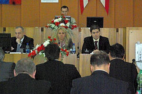 Viceprimátori mesta (sprava) na druhom zasadnutí zastupiteľstva.