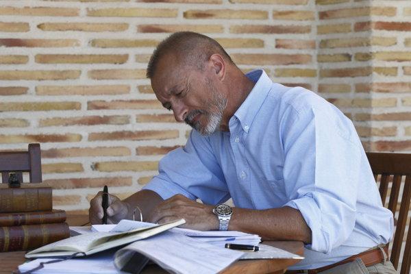 spisovateľ Arturo Pérez-Reverte