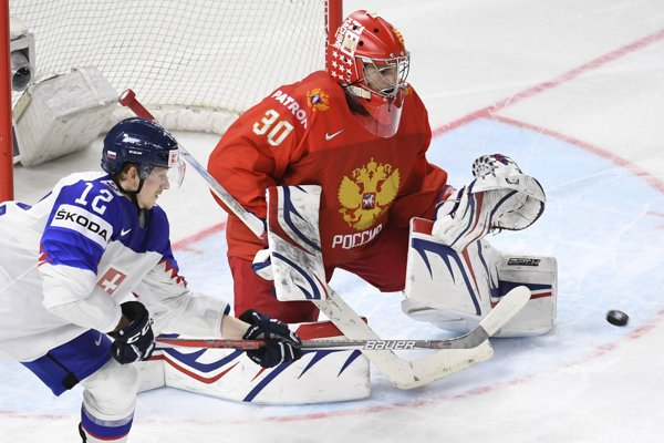 Dávid Bondra ruského brankára Šesťorkina neprekonal.