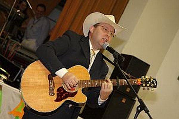 Ľubomír Turcer počas koncertu.