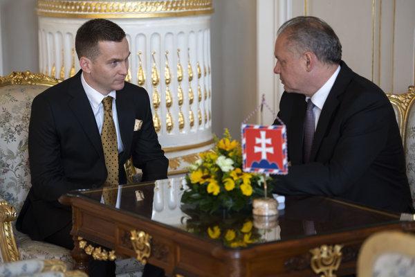 Šéf Úradu pre verejné obstarávanie Miroslav Hlivák a prezident Andrej Kiska.