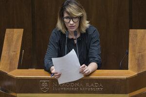 Lucia Ďuriš-Nicholsonová kedysi pracovala ako novinárka.