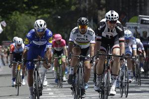 Fernando Gaviria (vľavo) zvíťazil aj v poslednej etape na Okolo Kalifornie.