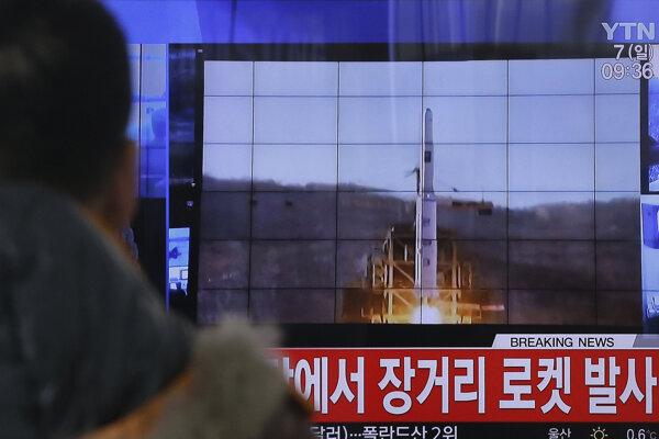 Vypustenie rakety s družicou vyvolalo ostrú kritiku medzinárodného spoločenstva.