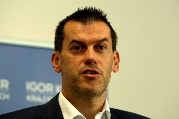 Igor Kašper podal v súvislosti s krádežou digitálnej identity trestné oznámenie na neznámeho páchateľa.