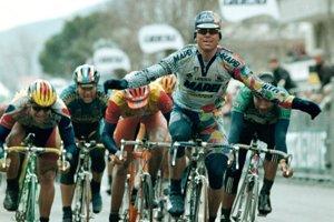 Čo robí úspešného šprintéra? Ján Svorada na fotografii vyhráva 3. etapu na Tirreno-Adriatico v roku 1998.