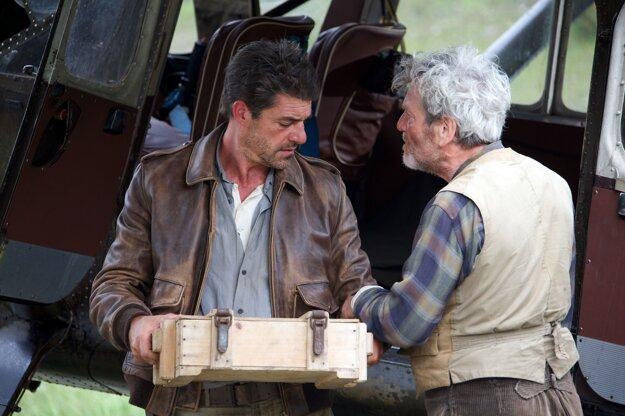 Thierry Neuvic a Tchéky Karyo. V úlohách mužov, ktorí by mali byť vzorom malého Sebastiána.